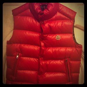 Men's Moncler vest. Like new. Only worn once